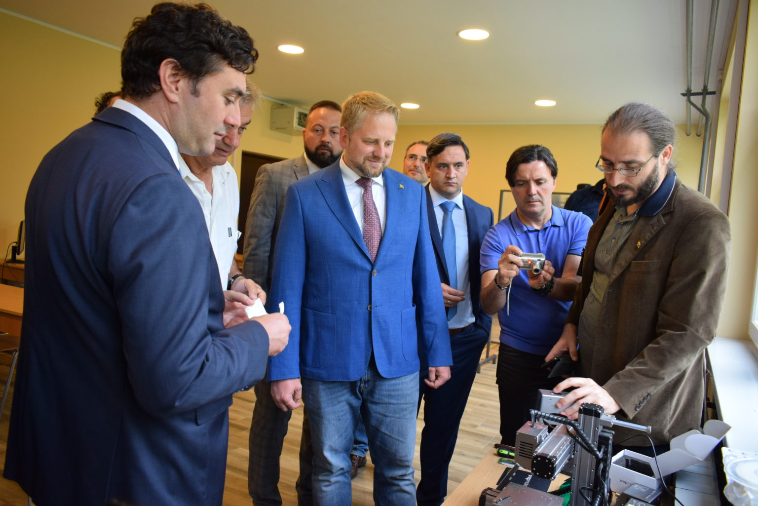 LIBERLAND BUILDS STRONG TIES WITH VOJVODINA PROVINCE Apatin Free Trade Zone Chamber of Commerce 3