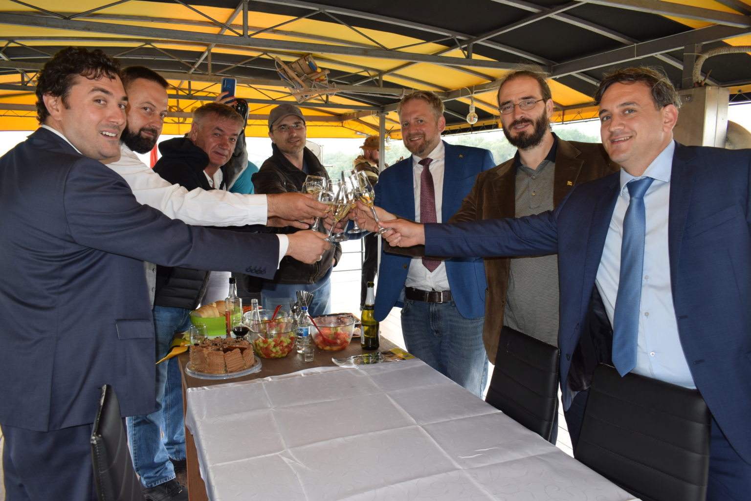 LIBERLAND BUILDS STRONG TIES WITH VOJVODINA PROVINCE Apatin Free Trade Zone Chamber of Commerce 4